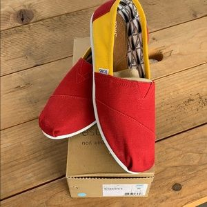 Yellow and Red classic Toms. Women size 11